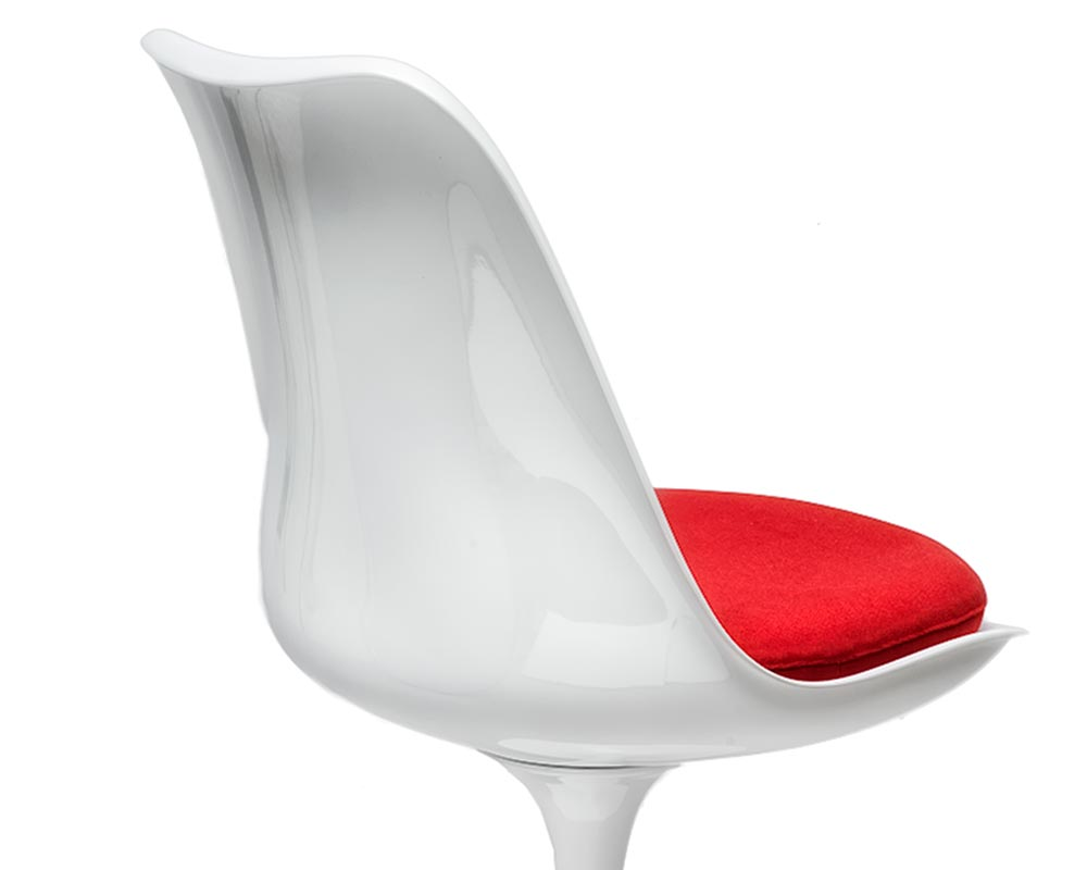 Fiberglass on Eero Saarinen Tulip Chair